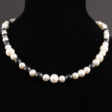 Pearl & Onyx Necklace