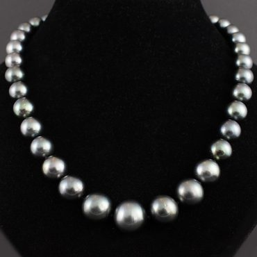 Tahitian Black Pearl Necklace (13mm)