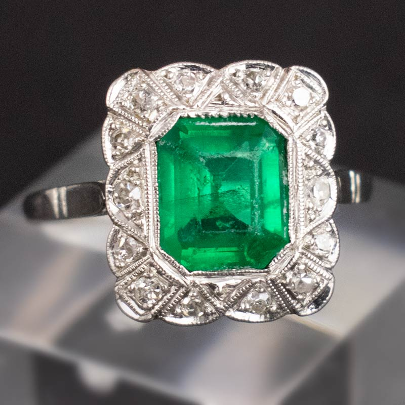 1920s Colombian Emerald & Platinum Ring
