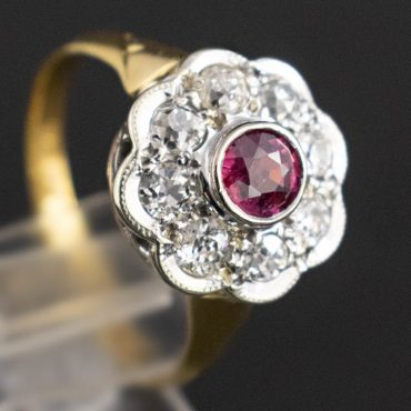 1940's Ruby & Diamond Gold Daisy-Cluster Ring